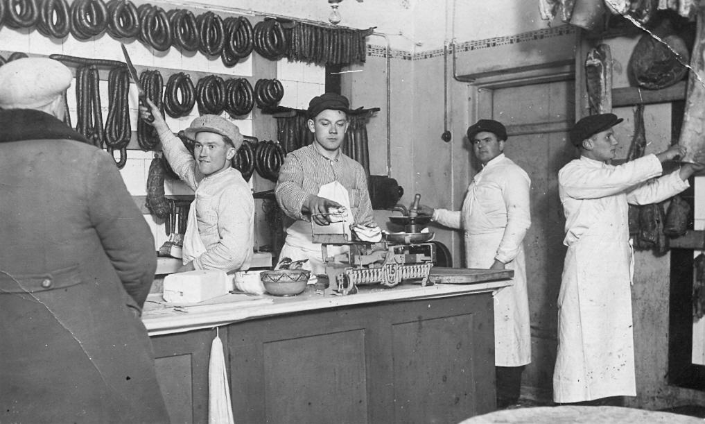 Desu veikals Talsos, Lielā ielā 8, 1938. g.