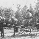 Ormanis ar zirgu un pajūgu 1920. gados.