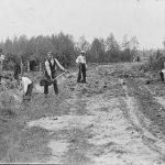 Ceļa taisīšana Dzedros, 1920. gados.