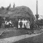Kulšanas talka Ārlavas pagastā 1920. gados.