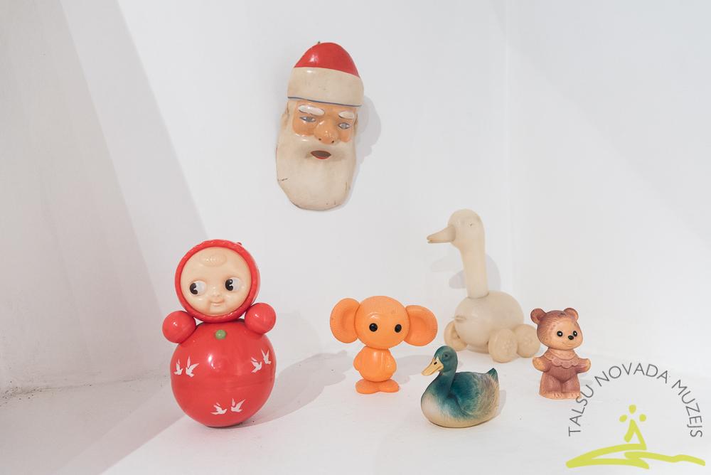 """Muzeja krājuma izstāde """"Ziemassvētku noskaņās"""""""