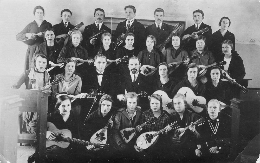 Uguņciema baptistu draudzes stīgu orķestris 1928. gads