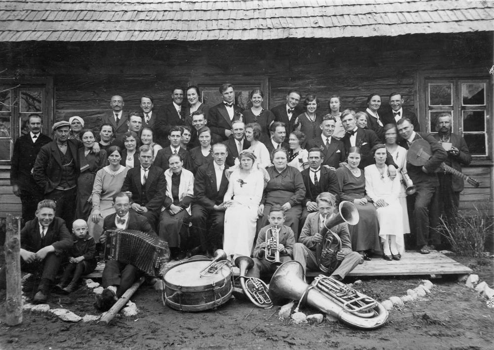 """Kāzas Vandzenes """"Svintās"""" ap 1933. gadu."""