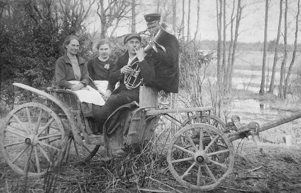 Kāzu muzikanti Ģibuļu pagasta Struņķos  1927. - 1928. gads