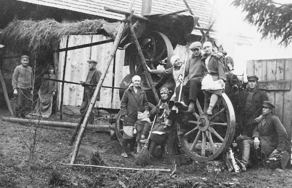 Kulšanas talka Lībagu pagastā  1920. gadu beigās