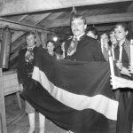 Latvijas karoga pacelšana virs Talsu kultūras nama 1988. gada 18. novembrī