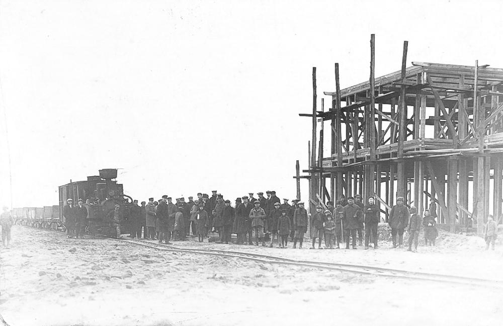 Valdemārpils dzelzceļa stacijas ēka celtniecība ap 1931. gadu