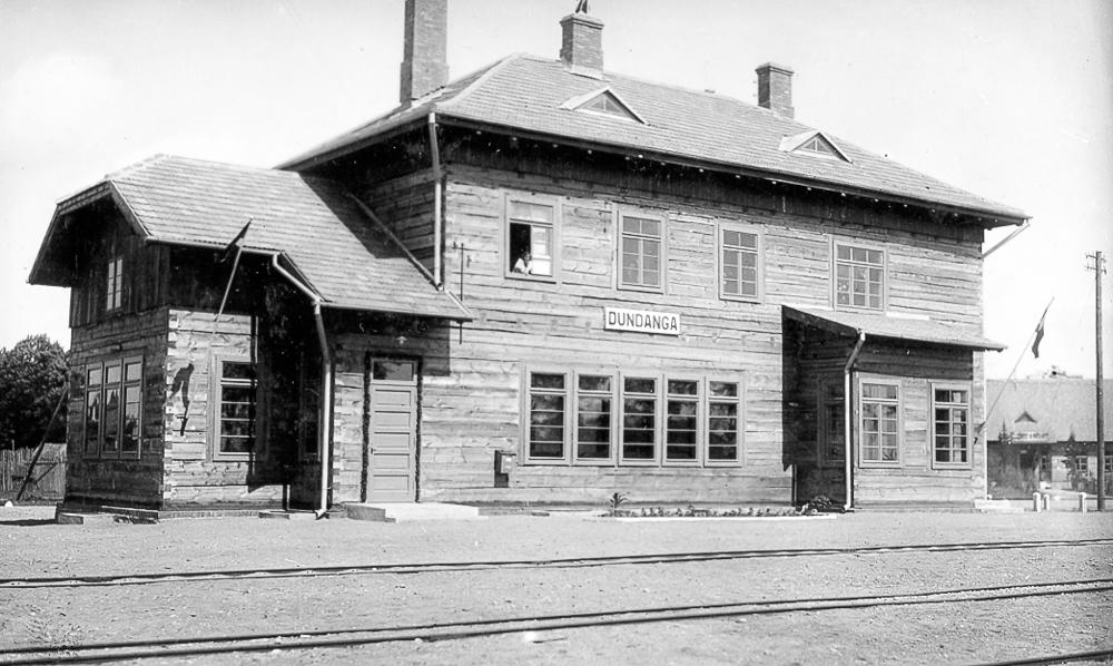 Dundagas jaunā stacijas ēka, atklāta 1936. gadā
