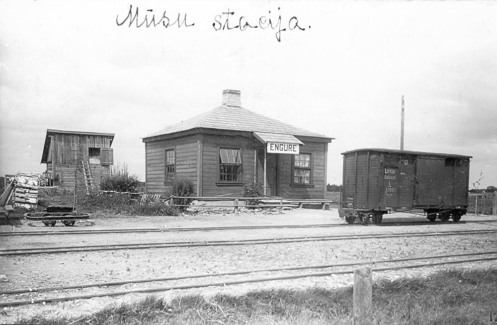 """Dzelzceļa stacija """"Engure"""", 1920. gadi"""