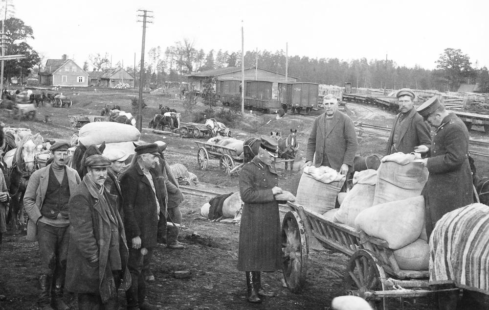 Labības nodošana armijai ap 1920. gadu