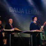 """Apbalvojumu """"Par mūža ieguldījumu kultūrā"""" saņēma Daija Lēmane"""