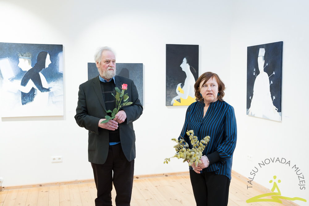 """Laimas Eglītes gleznu izstādes """"Daba"""" atklāšana  Talsu novada muzeja Izstāžu zālē 13. aprīlī Mākslas dienu pasākuma laikā."""