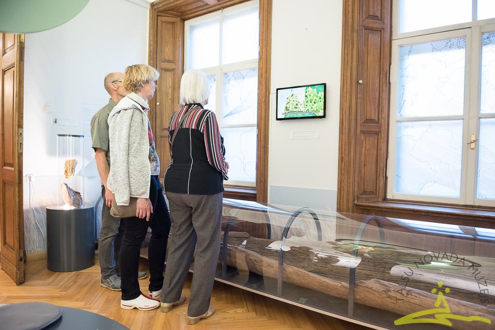 """""""Ceļojums senatnē"""" jaunajā arheoloģijas ekspozīcijā."""
