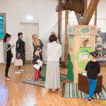 """Gada putns - mežirbe, gada dzīvnieks - alnis ekspozīcijā """"Dabas daudzveidība Talsu novadā""""."""