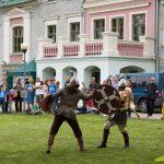 Biedrība Exercitus Rigensis rāda viduslaiku cīņas.