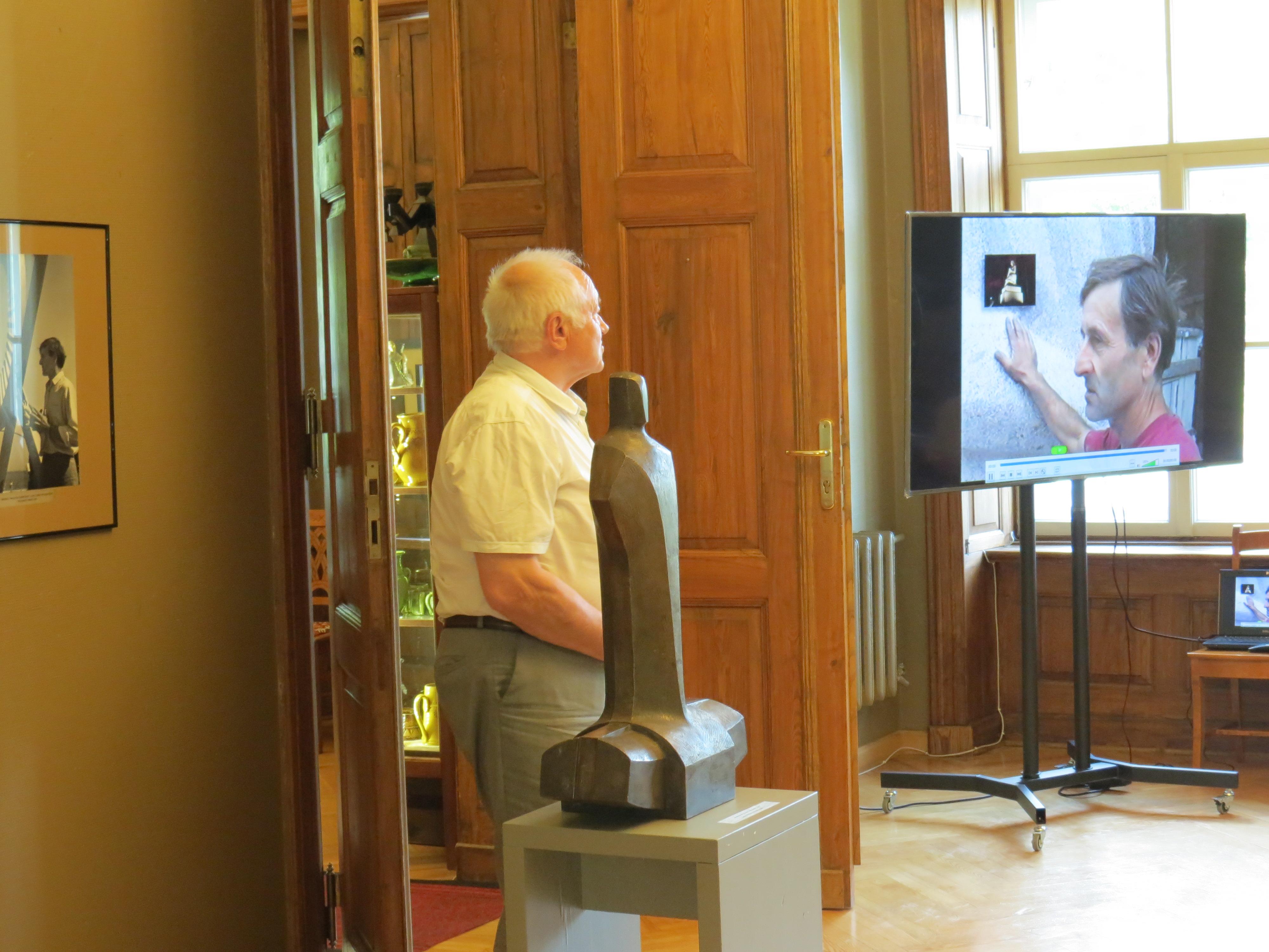 """Juris Kokins stāsta par pieminekļa """"Koklētājs"""" tapšanu"""