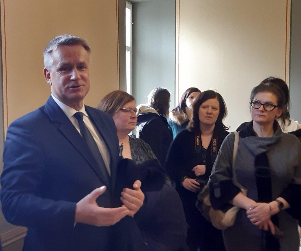 Tikšanās ar kultūras jomas pārstāvjiem nostiprināja kultūras ministra pārliecību par Kultūras centra likuma nepieciešamību.