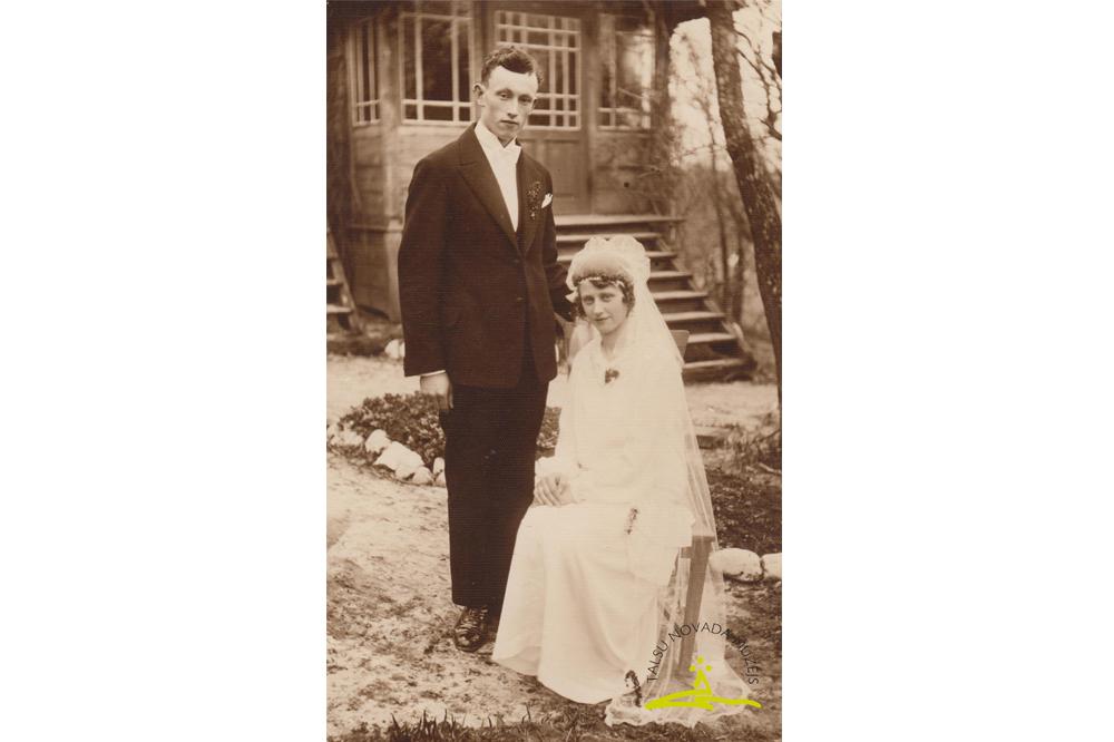 Vandzenes pagasta jaunos pārus no apkārtnes mājām fotografējis Alfrēds Fabriciuss - 1931. g.