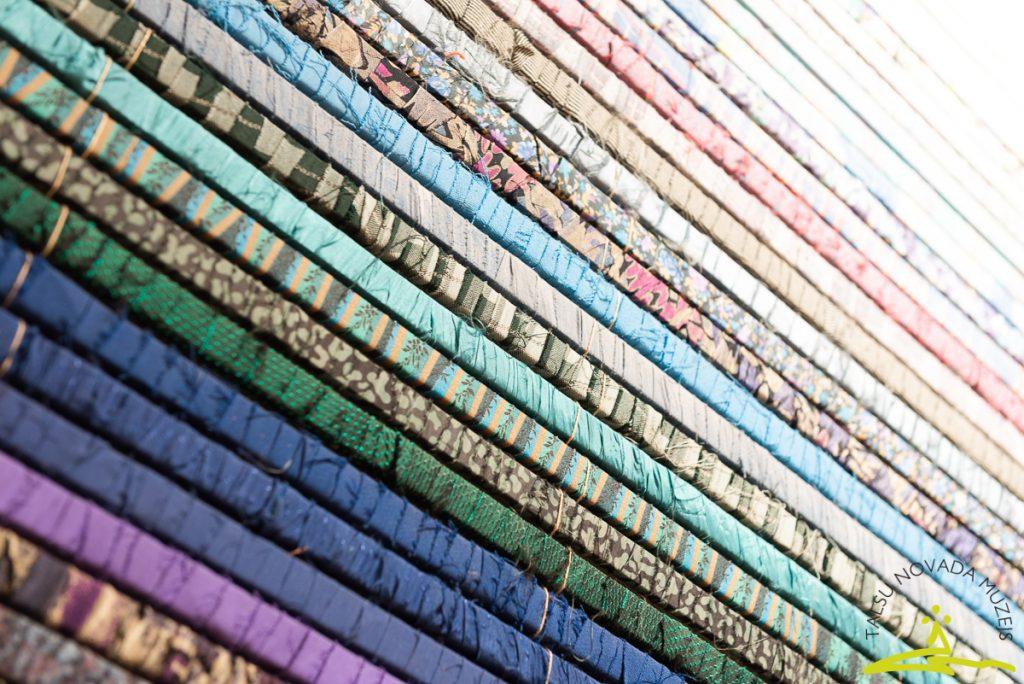 Tikšanās ar tekstilmāksliniecēm Ingrīdu Sūnu un Zani Lūsi