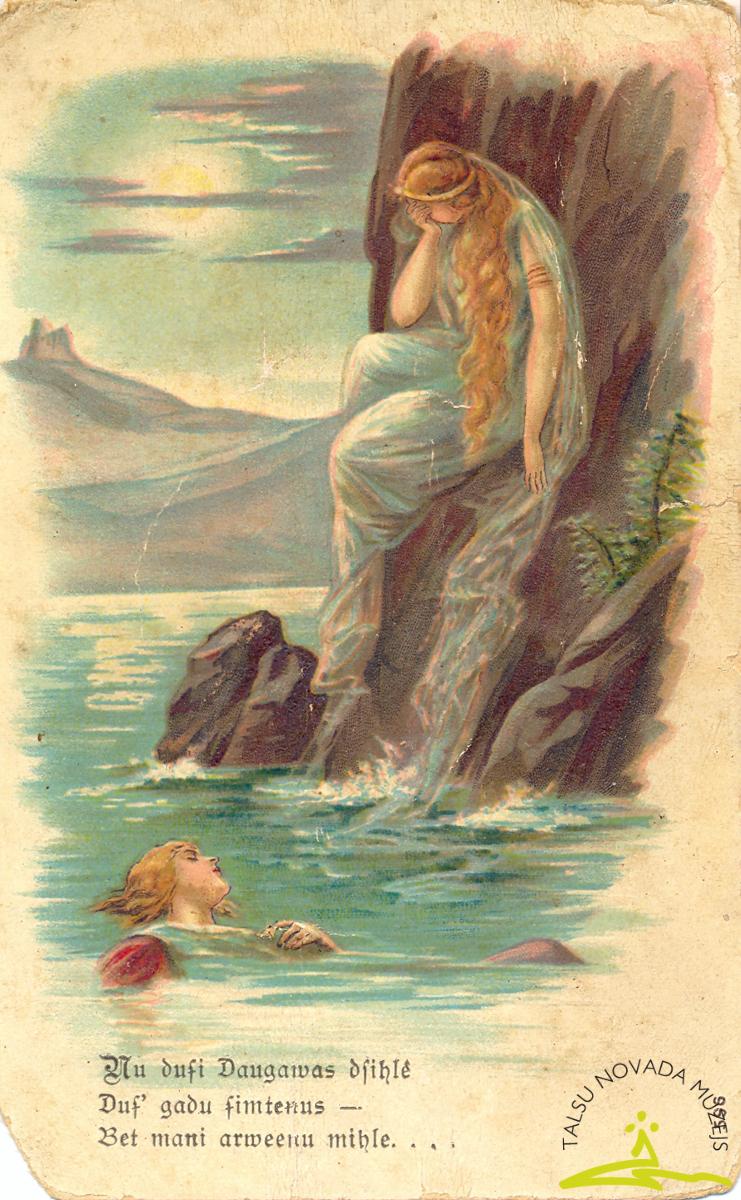 """Pastkarte. Attēlota raudoša meitene uz klints, dzejolis """"Nu dusi Daugavas dzīlē…"""", 20. gs. sākums"""