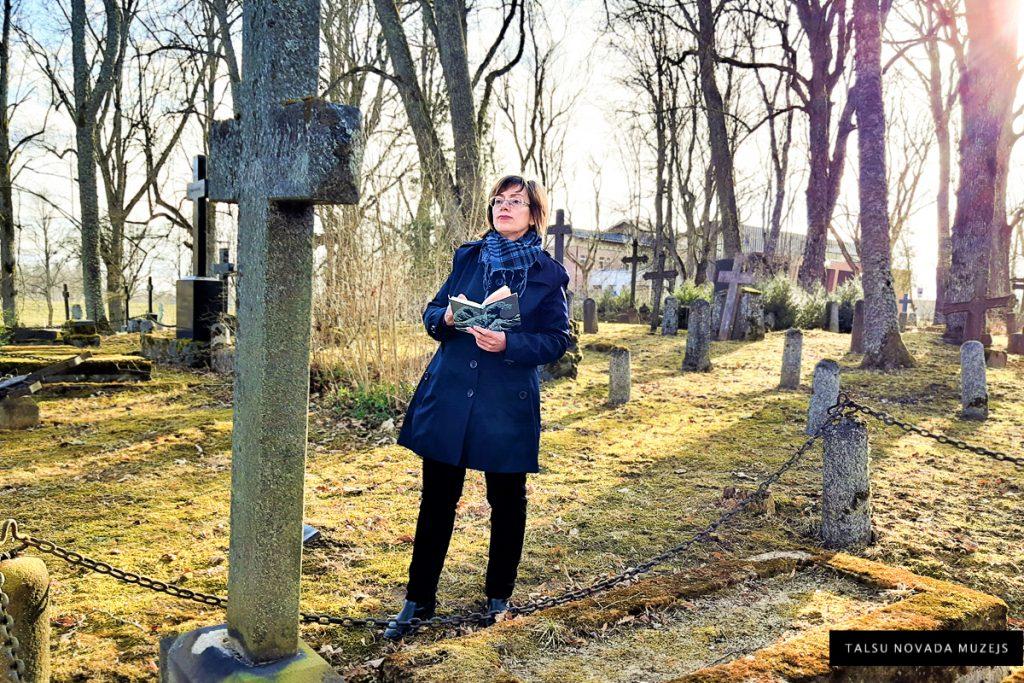 Muzejs no iekšpuses. Šķetinot kādu vēstures pavedienu Talsu Vācu kapos 2021. gada martā.
