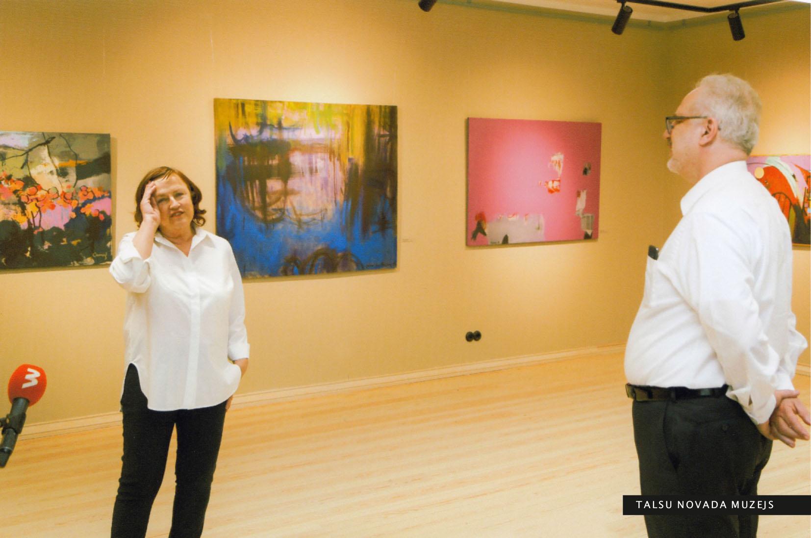Saruna ar Valsts prezidentu Egilu Levitu par Talsu Krūmu mākslas grupas 35. jubilejas izstādi Pedvāles Starptautiskajā mākslinieku rezidencē